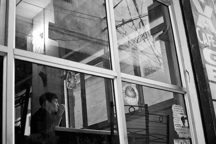The Woman in the Café, Benaras