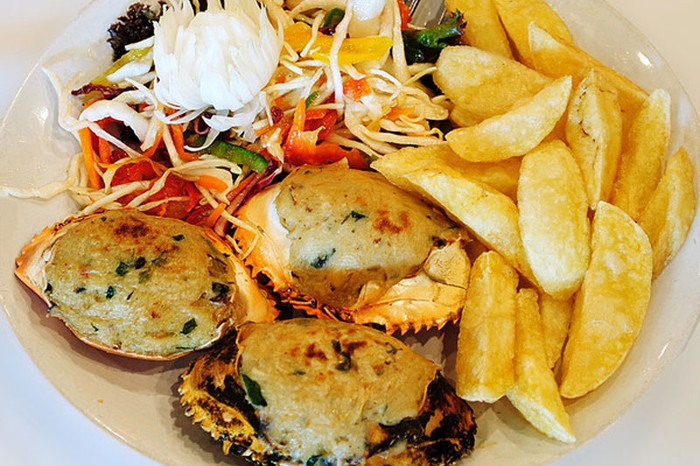 Baked Crab at Britto's, Goa
