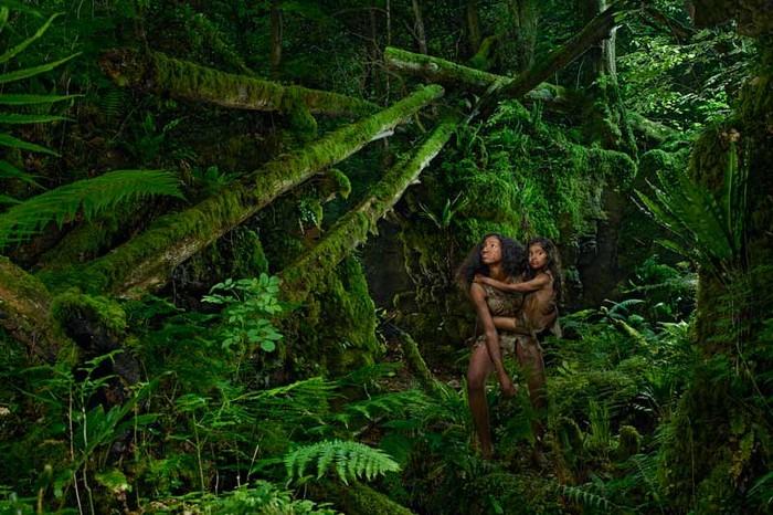 Kamala and Amala, Photographed by Julia Fullerton-Batten