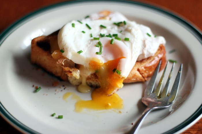Poached Mustard Eggs on Toast. Image Source: Cookinginsens