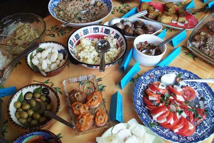 Sunday brunch at Villa Blanche, Image Source: Zomato