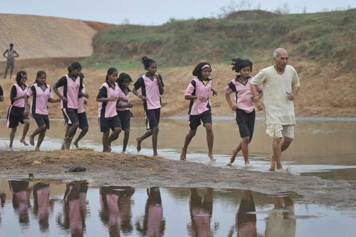 Dharampal Saini marathon training with the girls Image source - www.theweek.in