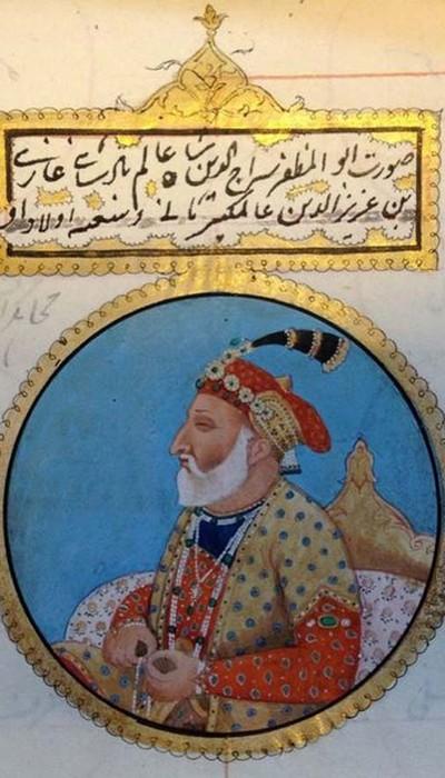 Shāh ʻĀlam II, blinded in 1788, wrote Persian and Urdu poetry under the name Aftāb