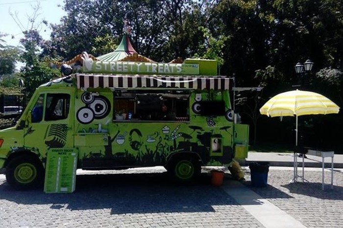 Bengalurus 15 best food trucks serve up delicious meals on wheels streety treats forumfinder Choice Image