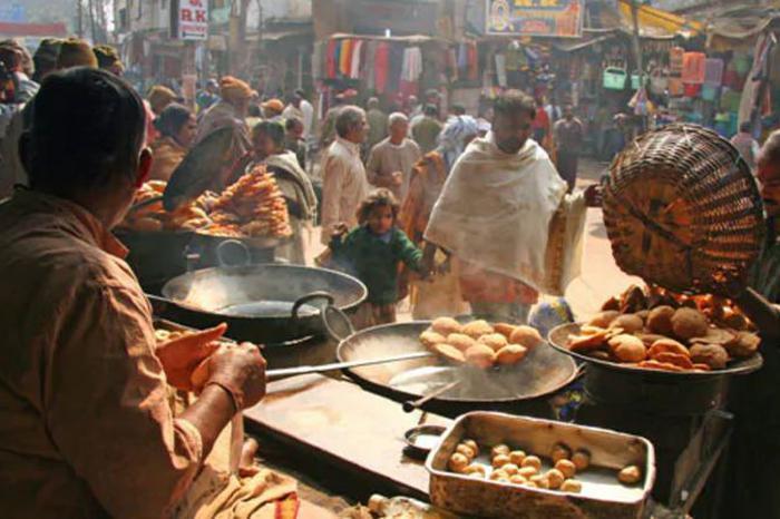 Eating Our Way Through South Mumbai's 4 Best Khau Gallis