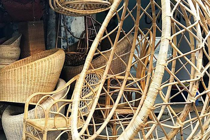 Secondhand Pieces & Thrifty Finds At Mumbai's Best Furniture
