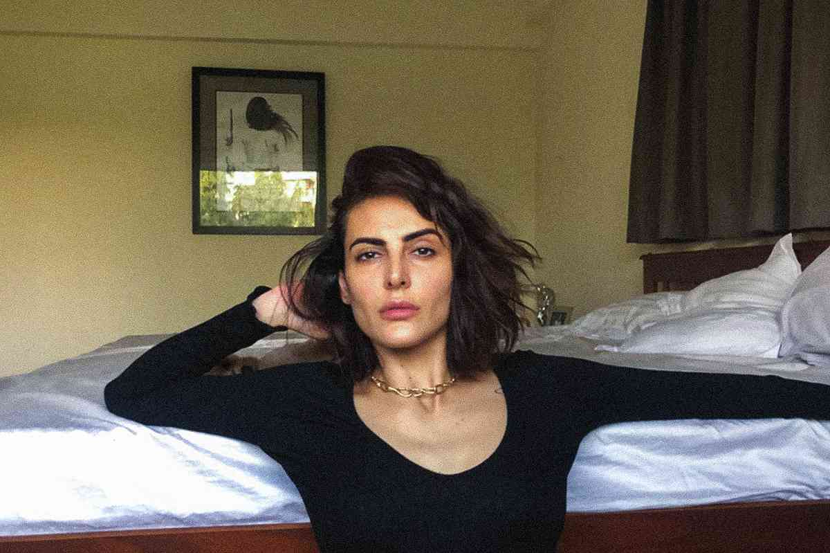 FaceTime Photoshoot featuring Mandana Karimi in her bedroom
