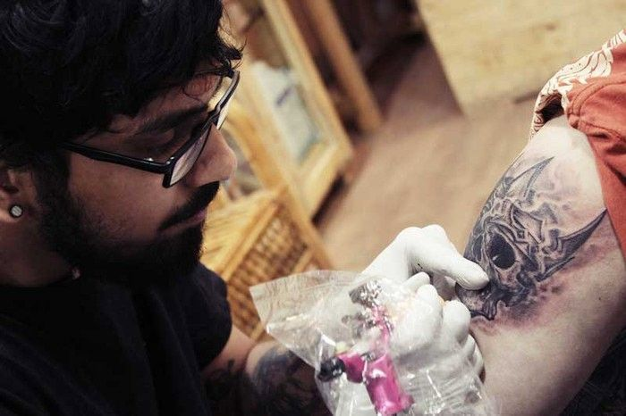"""23dae6382 """"Being a tattoo artist in India isn't easy for not many understand the  difference between money and skill but if you keep those things aside,  tattooing has ..."""
