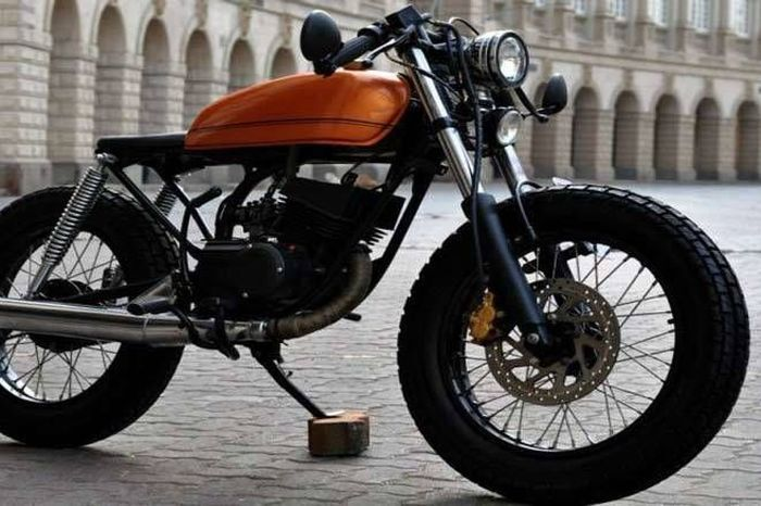 8 Yamaha RX 135 Cafe Racers For The Retro Rider - Homegrown