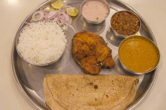 The 40-Year-Old Family Recipe Behind Alibaug's Finest Fish Thali