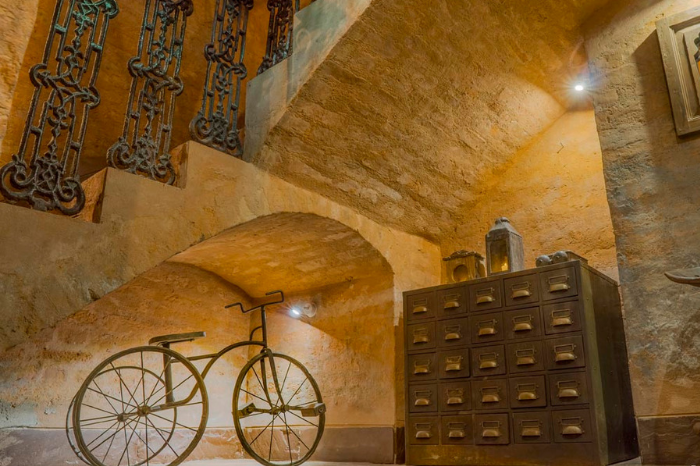 cycle under the stairs in calcutta bungalow