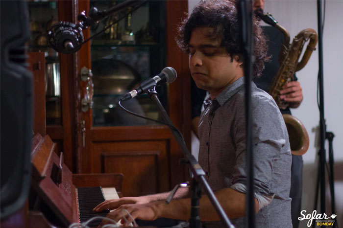 Performance at Sofar Sounds Bombay. Source – Facebook