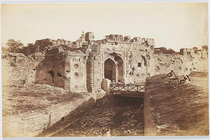 An image of the Kashmiri Gate in Delhi by Felice Beato, a year after the Uprising of 1857 - this is the same gate that was breached by the British army to suppress the native sepoys revolting in Delhi. Techinique: Albumen silver prints from glass negatives