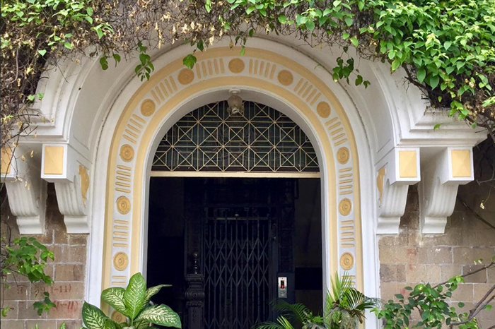 Entrance to Bella Court